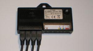 Die 4 Anschlüsse der Ultraschallsensoren vom Steuergerät von Waeco Dometic MWE 820